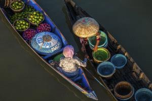 IUP Bronze Medal - Yilan Song (Hong Kong) <br /> Trading On The Water3
