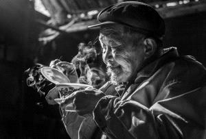IUP Honor Mention - Yan Wu (China)  Tasting Tea
