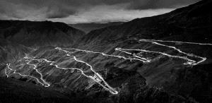 IUP Honor Mention - Guming Xu (China) <br /> Eighteen Bend Of Mountain Road