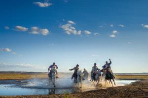 PhotoVivo Gold Medal - Yu Wang (China) <br /> Cross The River 2