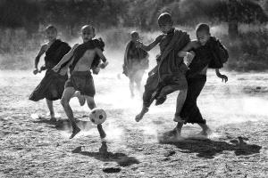 PhotoVivo Honor Mention - Kam Chiu Tam (Canada) <br /> Soccer Game