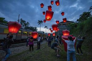 CPC Merit Award - Lilo Chen (Taiwan) <br /> Sky Lantern
