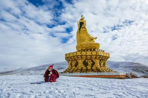 PhotoVivo Honor Mention - Ping Xu (China) <br /> Buddhism Land 2