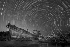 APAS Honor Mention - Junlin Tang (China) <br /> A Broken Boat Under The Starry Sky