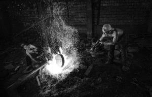 CPC Merit Award - Phillip Kwan (Canada) <br /> Iron Worker 4 Bw