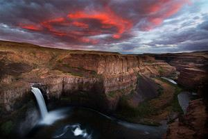 APAS Honor Mention - Philip Chan (Canada)  Palouse Falls Sunset