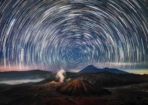 PSA Gold Medal - Min Tan (Malaysia) <br /> Bromo Startrails