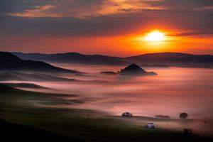 CPC Merit Award - Thinh Nguyen (USA) <br /> Sunrise Over Misty Valley