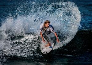 APU Gold Medal - Hung Kam Yuen (Australia) <br /> Surf Action