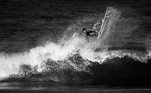 PhotoVivo Honor Mention - Qiusheng Hu (China) <br /> Surfing